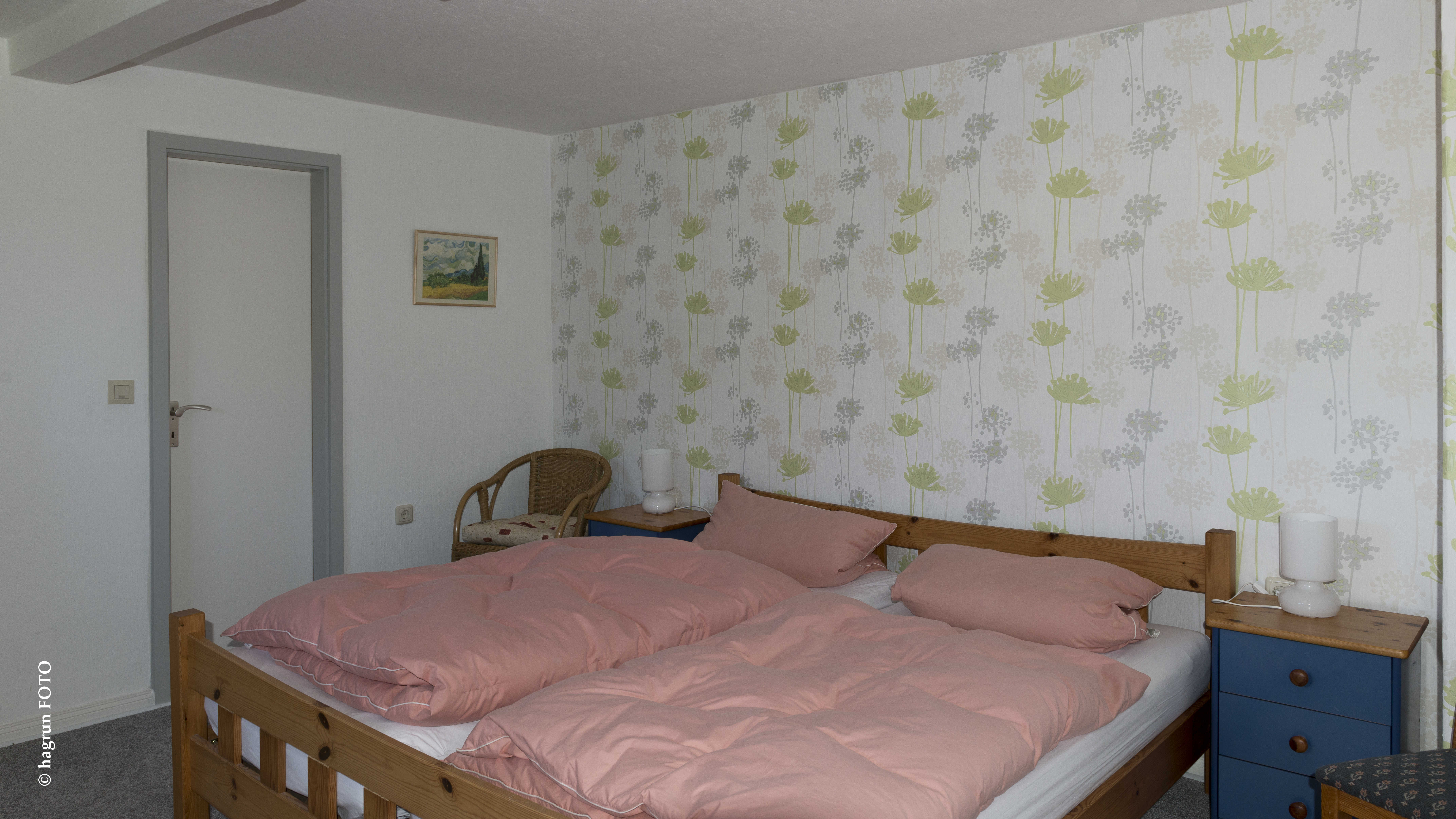 Schlafzimmer Eltern: Ruetemple